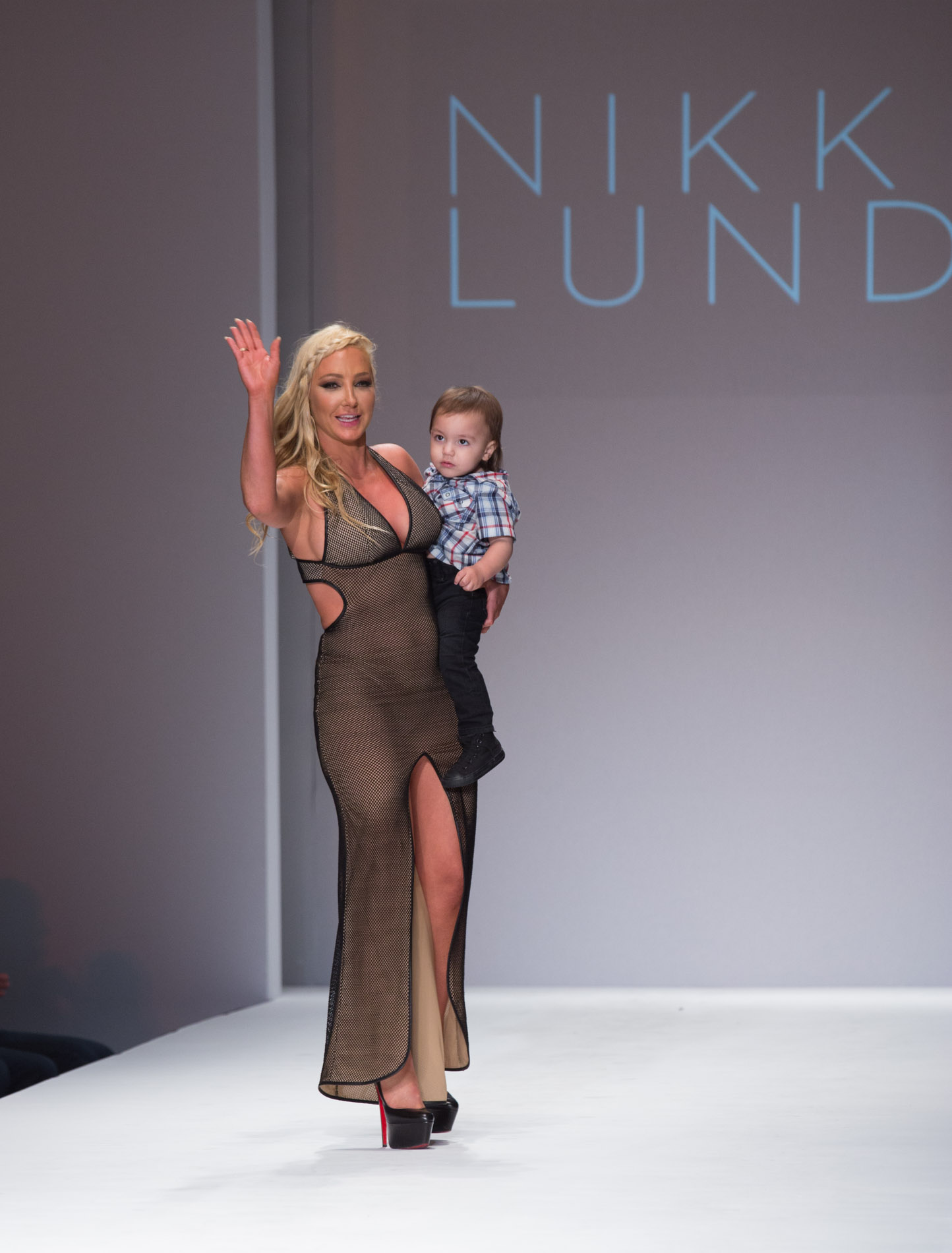 Nikki Lund Opens Los Angeles Style Fashion Week