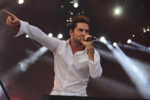David Bisbal performing