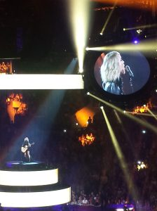 Carrie Underwood sings her heart out