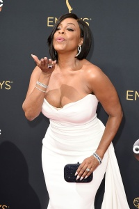 LOS ANGELES, CA - SEPTEMBER 18:  Actress Niecy Nash attends the 68th Annual Primetime Emmy Awards at Microsoft Theater on September 18, 2016 in Los Angeles, California.  (Photo by David Crotty/Patrick McMullan via Getty Images)