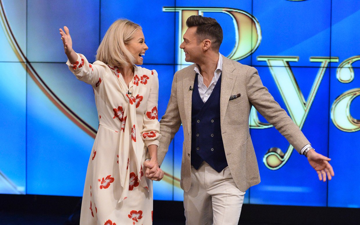 kelly-ripa-ryan-seacrest-live-with-kelly-and-ryan